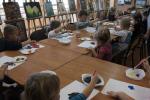 Przedszkolaki na warsztatach malarskich w GOK